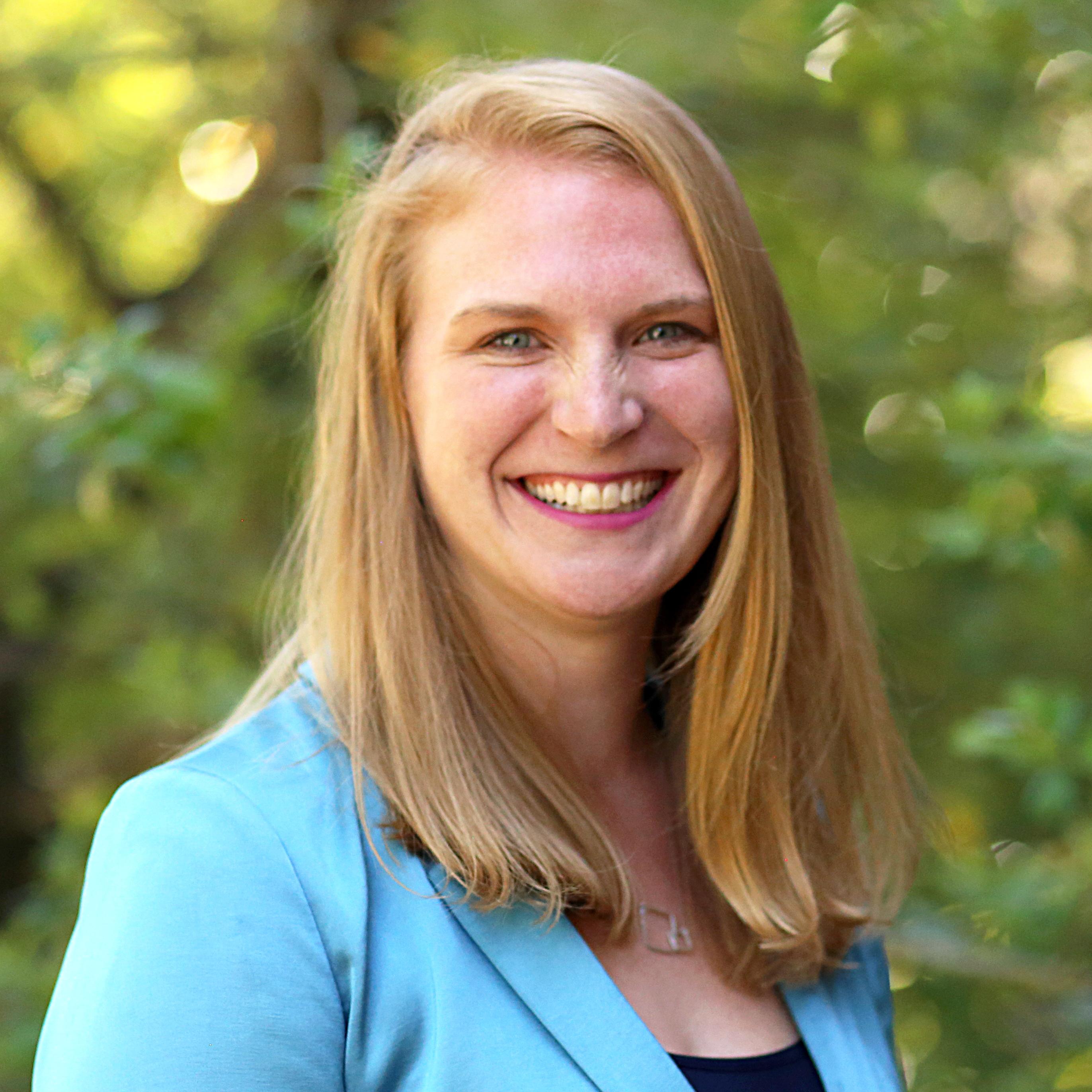 Dr. Leah LeFebvre